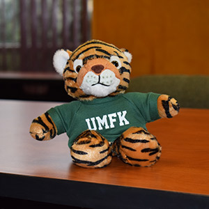 UMFK Tiger with Tee